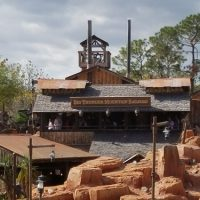 Big Thunder Mountain Railroad Ride (Disney World Ride)