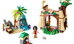 """""""Moana's Ocean Voyage LEGO Set"""" is locked Moana's Ocean Voyage LEGO Set"""