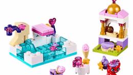 Disney Treasure's Day at the Pool LEGO Set