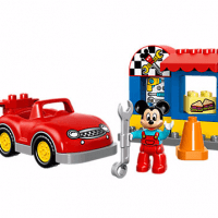 Disney Mickey's Workshop LEGO Set
