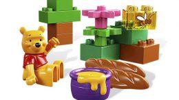 Disney Winnie the Pooh's Picnic LEGO Set