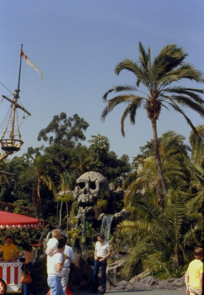 Skull Rock – Extinct Disneyland Attractions