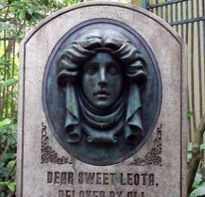 Madame Leota the haunted mansion disney
