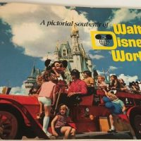 Vintage 1971 Walt Disney World Souvenir Booklet